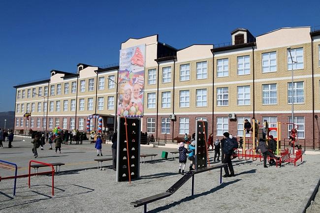 Свободное посещение школ введут с завтрашнего дня на Кубани