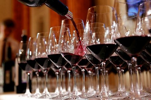 На Кубани в период пандемии автоматически продлено 2385 лицензий на розничную продажу алкоголя