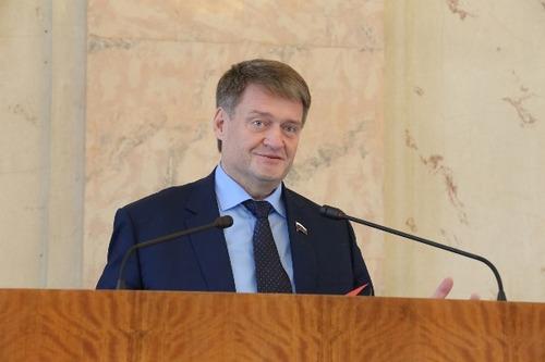 Алексей Ткачев: Закон нацелен на поддержку заемщиков, испытывающих сложности с платежами в период борьбы с распространением коронавируса