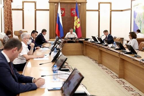 Губернатор Кубани Вениамин Кондратьев потребовал в течение месяца отработать концепцию надежного энергоснабжения региона