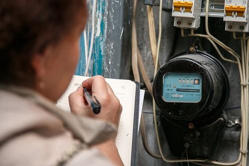 Потребители не должны платить за замену электросчетчиков