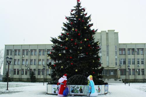 Тепло и сердечно поздравляем вас с Новым 2021 годом и Рождеством Христовым!