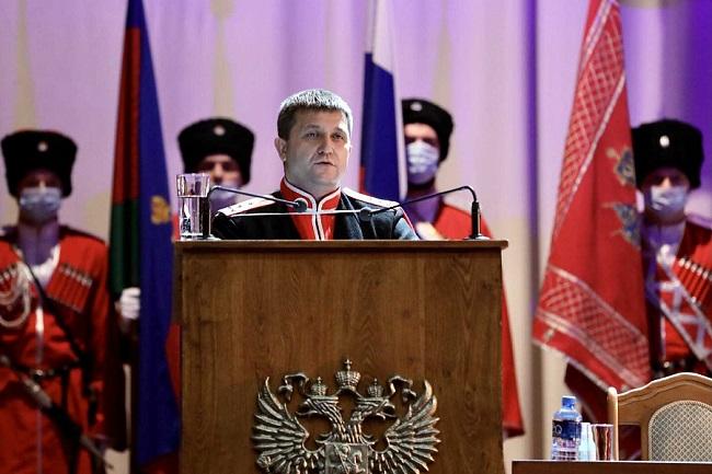 В Кубанском казачьем войске на пост атамана единогласно избрали Александра Власова