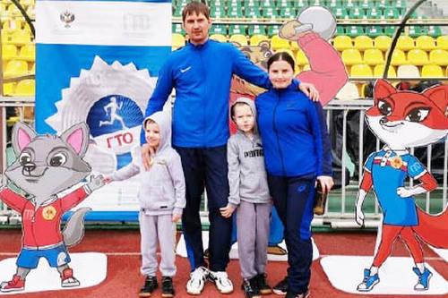 Спортивная семья Шанталий из Старовеличковской