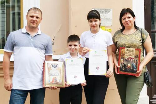 Дипломы первой степени у Евгения  и Ксении Барановых