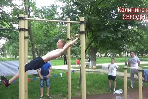 В Калининской 12 июня прошли традиционные соревнования на воркаут-площадке