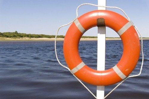 Будьте бдительны на воде: купание в водоёмах запрещено