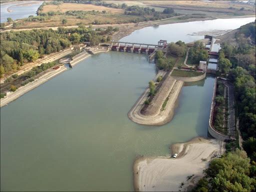 С 27 сентября закрывают на полтора года плотину на реке Кубань в Абинском районе