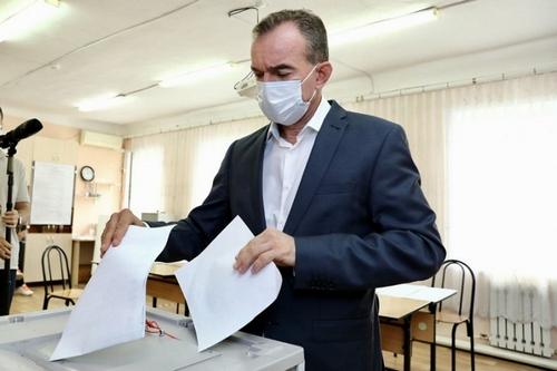 Глава Кубани Вениамин Кондратьев проголосовал